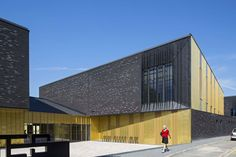 Music Conservatory in Melun / DE-SO--http://www.archdaily.com/551760/music-conservatory-in-melun-de-so/?ad_medium=widget&ad_name=featured_loop&ad_content=551760
