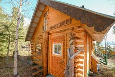 Northern Lights Hideaway - Cabins for Rent in Whitehorse, Yukon Territory, Canada
