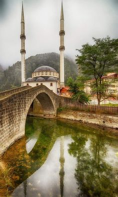 Trabzon Türkei - Picture of List Wonderful Places, Beautiful Places, Trabzon Turkey, Visit Turkey, Travel Tags, Beautiful Mosques, Turkey Travel, Beautiful Landscapes, Cool Places To Visit