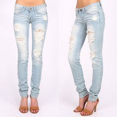 AJA low rise skinnies - L. DENIM Super trendy & comfy SKINNY JEANS 98% COTTON, 2% SPANDEX. AVAILABLE IN MED & LIGHT DENIM  Low rise skinny leg jeans. Traditional 5 pocket and zip fly zipper closure. *97% Cotton 3% Spandex Bellanblue Jeans Skinny