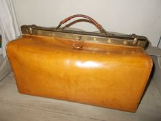 Authentic Vintage French Gladstone Bag Doctor's Bag Perfect Condition With Padlock and 2 keys, very clean example by MaisonbrocanteFrance on Etsy