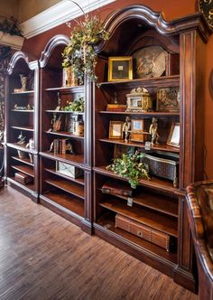 Take a tour of our Interior Design Showrooms located in Clarendon Hills on Ogden avenue and Highland Park on Second street. We specialize in Tuscan and Old World European style and carry an exquisite selection of fine furniture, home decor, luxury gifts and more.