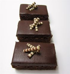 Schoko-Schnitten 2 Candy, Chocolate, Desserts, Food, Chocolate Pies, Pies, Sheet Cakes, Chef Recipes, Backen