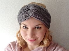 Need a quick, cosy project for the cold snap? Why not try this quick and easy headband with a gorgeous chunky texture and a fabulous vintage vibe!