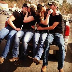 i love how their all matching... #boyfriendsandbestfriends