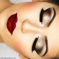 Maquillaje, make up, labios rojos, dorado con cafe y negro, delineado de ojos y cejas, rubor e iluminaciones