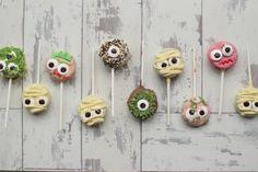 Halloween oreo pops recipe via little button diaries