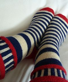 This sock pattern celebrates the nautical colours red, white and blue.