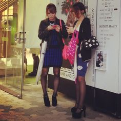#japanesegirls in front of #laforet in #harajukufashion district this #autumn2013 share it !