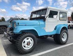 Lots of goodness going on here. Cj Jeep, Jeep Cj7, Jeep Wrangler Yj, Jeep Pickup, Jeep Truck, Jeep Hard Top, Jeep Garage, Vintage Jeep, Vintage Cars