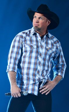 Garth Brooks Cancels TV Appearances Due to Civil Unrest Caused by Ferguson Grand Jury Ruling