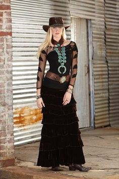 Velvet Princess Skirt with Squash Blossom necklace Cowgirl Dresses, Cowgirl Outfits, Western Dresses, Western Outfits, Rustic Dresses, Cowgirl Clothing, Country Fashion, Country Outfits, Boho Fashion