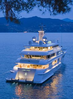Three Month XANGO Tour including Pacific and Atlantic Coast U.S., Canada, and Mexico aboard a private yacht. City wide Super Saturdays with private parties on board for qualifying distributors.