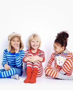 Loved by kids all over the world, our legendary organic knit and smooth seaming surround them in extra-comfy first layer softness. And Hanna-me-down quality means that 50 washes from now they'll come from the dryer bright and happy as ever. Share this cozy softness...   <br>•100% organic cotton ribbknit  <br>•Super-smooth flatlock seams  <br>•Comfy encased stretch waist  <br>•Ready-to-grow cuffs keep the fit  <br>•Certified by OEKO-TEX® Standard 100 | 03.U.9375 - FI H...