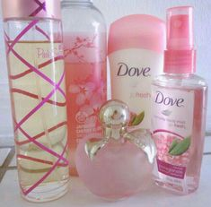 Pink Sugar is my favorite perfume! Beauty Care, Beauty Skin, Beauty Hacks, Deodorant, Parfum Paris, Bath And Body Works Perfume, Perfume Collection, Body Mist, Smell Good