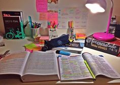 Study diastata -This is exactly how I need my desk to be organized. School Motivation, Study Motivation, Study Space, Study Areas, Perito Criminal, Pretty Notes, School Study Tips, Study Help, Study Inspiration