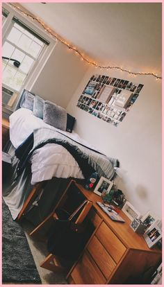 what a cute college dorm room. Saving this for decor inspo later what a cute college dorm room. Saving this for decor inspo later College Bedroom Decor, College Dorm Decorations, College Dorm Rooms, Room Decorations, Dorms Decor, Uf Dorm, Dorm Room Designs, Bed Designs, Dorm Life