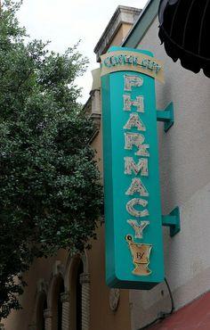 20130206_13 USA FL West Palm Beach Clematis Street | Flickr - Photo Sharing!