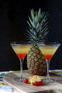 Inspo from our friends! Bikini Martini with coconut rum,vodka, pineapple juice and grenadine Fancy Drinks, Bar Drinks, Summer Cocktails, Beverages, Vodka Cocktails, Cocktail Drinks, Alcoholic Drinks, Martinis, Beer Margaritas