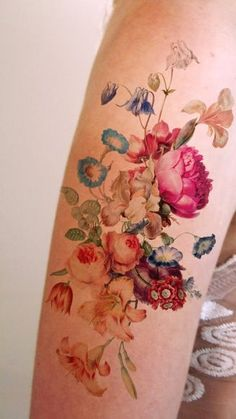 Is this the answer? Do I try this out and see if I can live with a tattoo? - x Large vintage floral Main Hair Tattoos, Rose Tattoos, Flower Tattoos, Body Art Tattoos, New Tattoos, Tatoos, Pretty Tattoos, Beautiful Tattoos, Catrina Tattoo