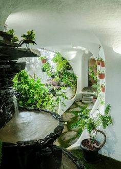 Beautiful Garden Room By The White Room 60 For Your Home Design Ideas for Garden Room By The White Room Maison Earthship, Earthship Home, Earthship Design, Dream Home Design, My Dream Home, House Design, Organic Architecture, Architecture Design, Futuristic Architecture