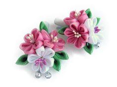 Pink, white kanzashi flowers Set of 2 hair clips for girl. от KatyaFantasy