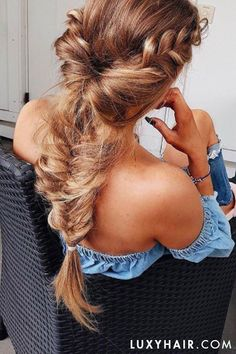 Gorgeous braid on @olgasaroka who is rocking her Dirty Blonde @luxyhair extensions clipped in for length and volume