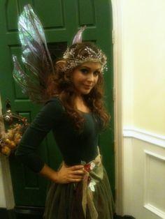 Alyssa Milano in Azarelle Clear Wings Fairy costume. Is this Alyssa Milano? Fairy Costume Diy, Woodland Fairy Costume, Fairy Cosplay, Elf Costume, Adult Costumes, Cosplay Costumes, Fairy Costumes, Costume Ideas, Celebrity Halloween Costumes
