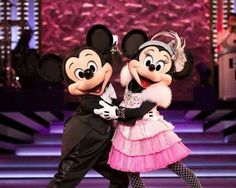 Mickey & Minnie putting on a great show!