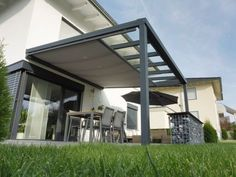 Premium terrace roofing with Trend 200 awning- Premium Terrassenüberdachung mit Trend 200 Markise Premium terrace roofing with Trend 200 awning - Pergola Attached To House, Pergola With Roof, Gazebo, Covered Pergola, Diy Pergola, Awning Roof, Outdoor Pergola, Pergola Ideas, Garden Beds