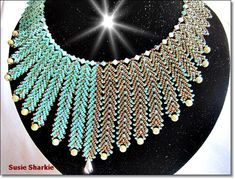 st. petersburg chain Bead Loom Patterns, Beading Patterns, Beaded Jewelry, Beaded Necklace, Jewellery, Feather Necklaces, Loom Beading, Bead Weaving, Seed Beads