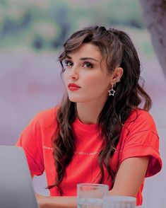 Cool Girl Images, Girl Pictures, Turkish Women Beautiful, Turkish Beauty, Dps For Girls, Work Dresses For Women, Cute Girl Wallpaper, Cute Love Couple, Attractive Girls