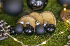 Mica Decorations Globuri Craciun negre Mica Decoration black Christmas baubles Black Christmas, Christmas Baubles, Pearl Earrings, Decorations, Pearls, Jewelry, Christmas Ornaments, Pearl Studs, Jewlery
