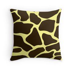 Giraffe Graphic Print:Saundramylesart