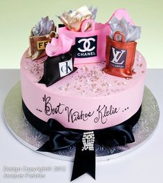 Fashion Cakes Love it! Bolo Chanel, Chanel Cake, Adult Birthday Cakes, Birthday Cakes For Women, Designer Birthday Cakes, Birthday Cake Girls Teenager, Cake Birthday, Birthday Ideas, Make Up Cake