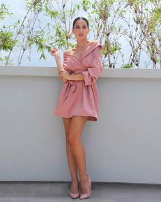 nora fatehi hot pic in pink dress Bollywood Girls, Bollywood Actress, Indian Celebrities, Bollywood Celebrities, Nora Lovely, Beautiful, Light Pink Shorts, Hottest Pic, Mode Outfits
