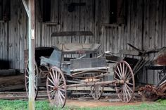 Old wagon at Bear Creek Log Cabins near Mentone, Alabama.