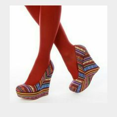 """SALE Steve Madden Tribal """"Pammy"""" Wedges FUN Steve Madden Tribal """"Pammy"""" Wedges 5"""" Heels in a tribal fabric. Cute with Jean's or Skirts. 1st photo is not actual shoe just to show how they look on. Steve Madden Shoes Wedges"""