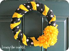 Crazy for Crafts: Team Colors Wreath (Hawkeye Version!)