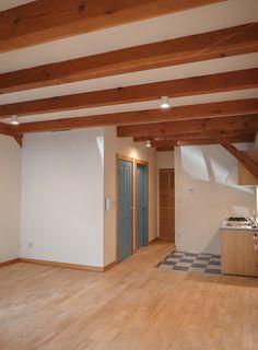 床は無垢フローリング、陽当たりも結構良いです。