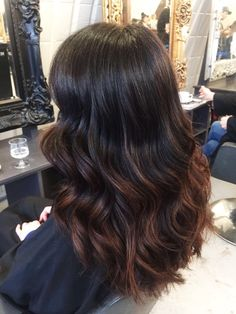 Brunette balayage. London hairdresser. For more hairstyles and our list of hair services visit https://www.livetruelondon.com/all-services/balayage/