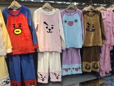 BTS pajamas - the Mang ones, third from the right! Bts Taehyung, Bts Jimin, Mochila Do Bts, Bts Bag, Bts Makeup, Bts Shirt, Bts Clothing, Mode Kpop, Foto Baby