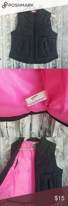 Arizona Puffy Vest Black with hot pink lining.    EUC.   Juniors Large.  Would fit a small/petite woman. Arizona Jean Company Jackets & Coats Vests