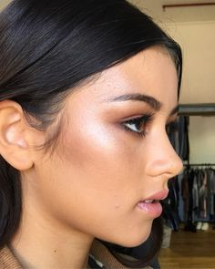 Neutral Makeup, Glowy Makeup, Nude Makeup, Kiss Makeup, Hair Makeup, Makeup Trends, Makeup Inspo, Makeup Inspiration, Makeup Tips
