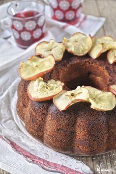 Πλούσιο κέικ μήλου με τυρί κρέμα / Tender Cream Cheese Apple Cake Apples And Cheese, Apple Cake, Delish, French Toast, Sweet Treats, Cheesecake, Muffin, Pudding, Cream