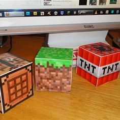 The Ultimate Guide to Minecraft Papercrafts! - make your own little minecraft cubes - print and fold