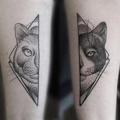 Vous êtes une fan de nature et d'animaux ? Voici 30 idées de tatouages vraiment canons en l'honneur de la faune. Focus : tatouage chat.
