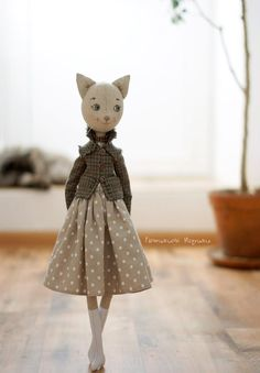 wip 🐾 I started this about a week ago. I am a cat person (I have and I was curious to see how my doll pattern would PDF sewing pattern for Blank Cat Doll for crafting 37 Linen art dolls by TanushkaToyTreasure Tatiana Emelyanova - Diy And Home Doll Dress Patterns, Doll Sewing Patterns, Sewing Dolls, Pattern Dress, Fabric Doll Pattern, Diy Y Manualidades, Fabric Toys, Paper Toys, Cat Doll