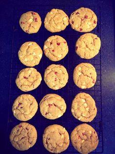 Homemade is Better: Better than Subway's White Chocolate Raspberry Cheesecake Cookies