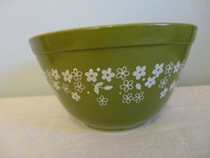 Corning Ware Pyrex Green Mixing Bowl With White by bettesbuttons